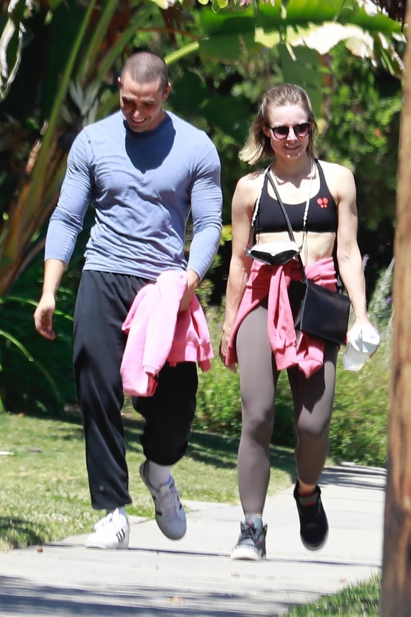 Kristen Bell - Arrives at gym in Los Feliz
