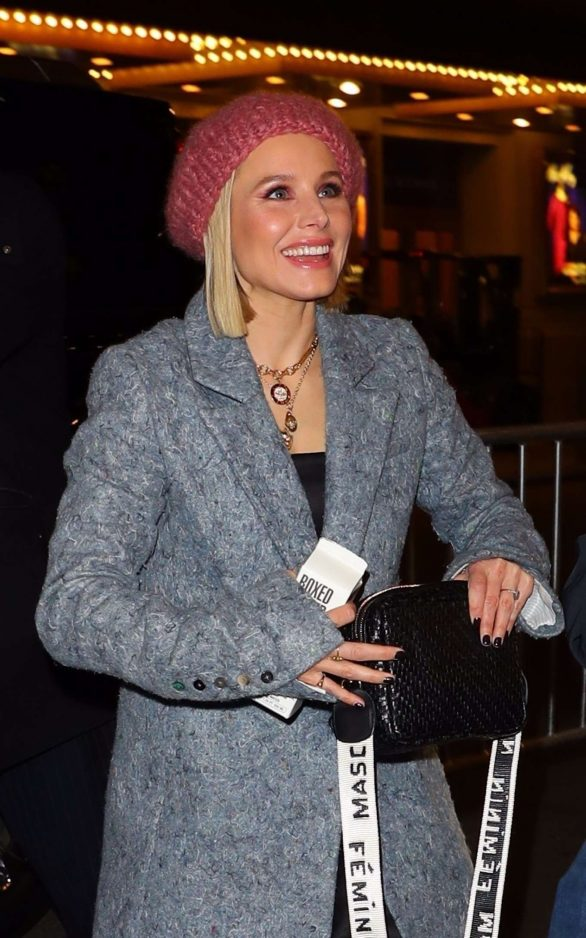 Kristen Bell - Arriving at a Broadway play in New York
