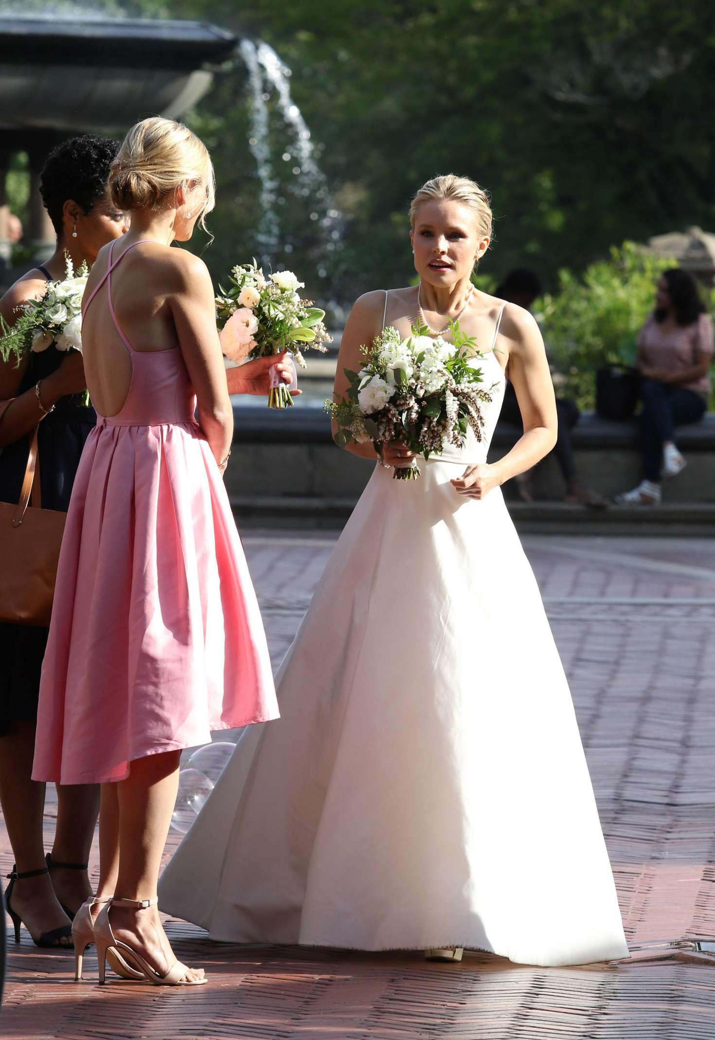 Kristen Bell Dons A Wedding Dress Filming Like Father 43 Gotceleb