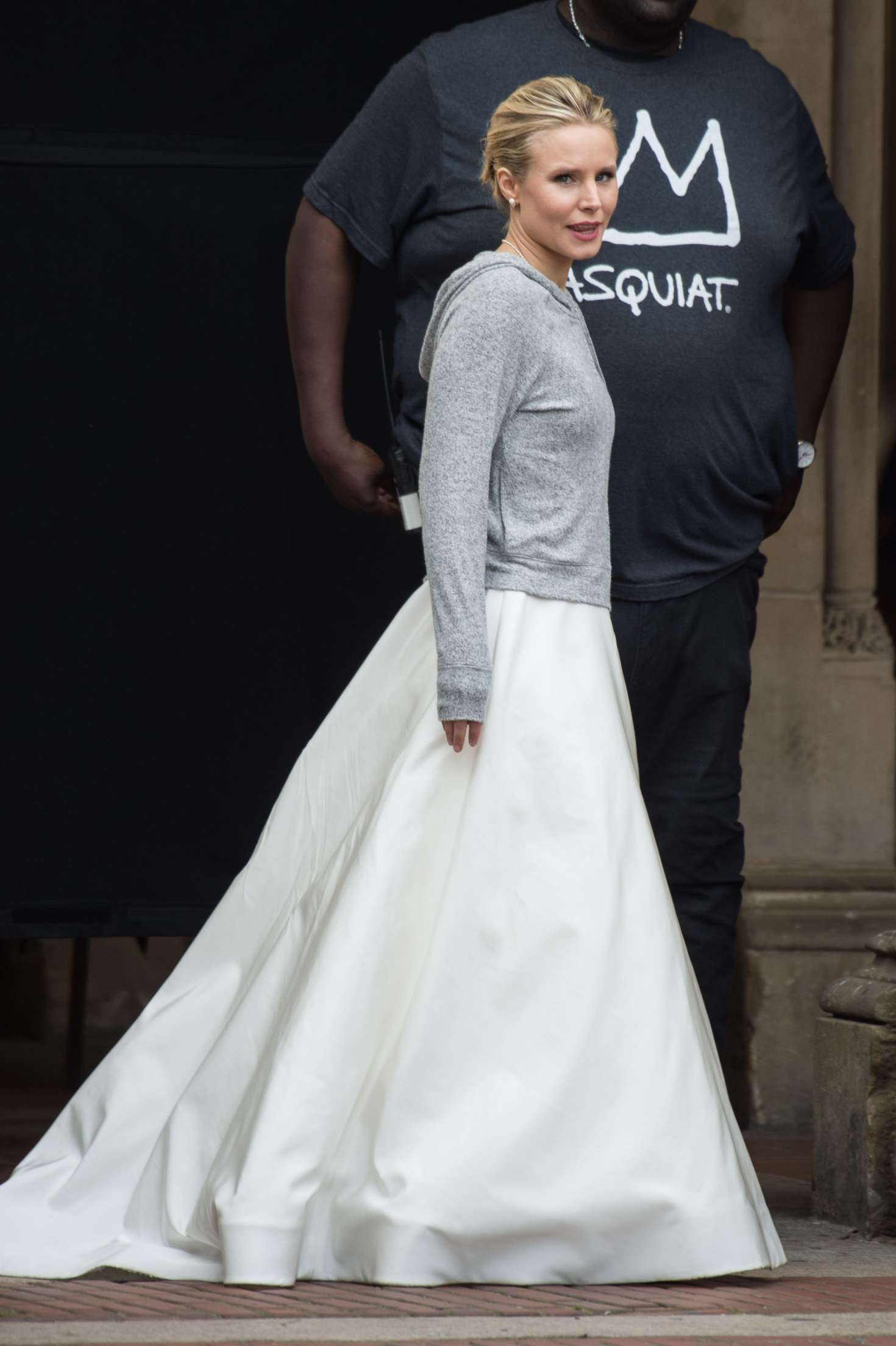 Kristen Bell Dons A Wedding Dress Filming Like Father 53 Gotceleb