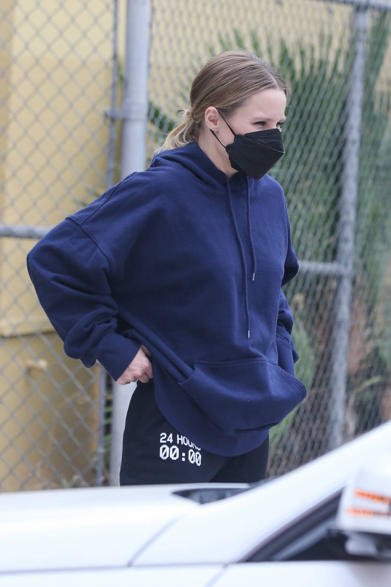 Kristen Bell - In an oversized hoodie and sweatpants out in Los Angeles
