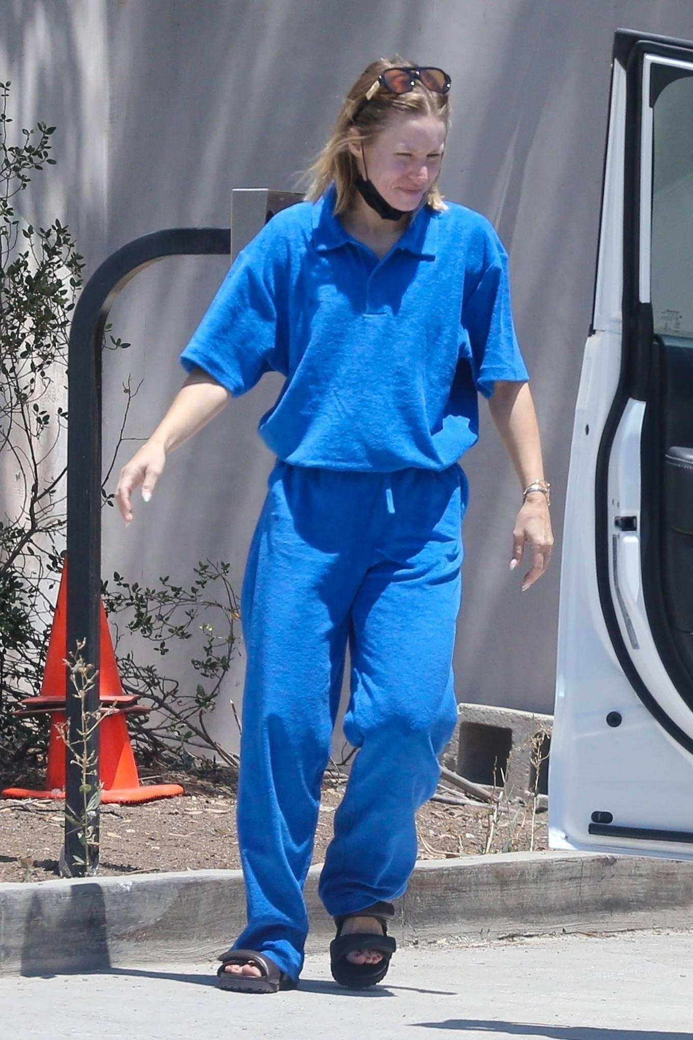 Kristen Bell 2021 : Kristen Bell – In comfy blue sweats while out in Los Feliz-06