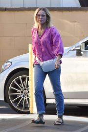 Kristen Bell - In Jeans out of a spa in Los Feliz CA