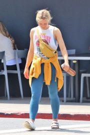 Kristen Bell - Leaves the gym in LA