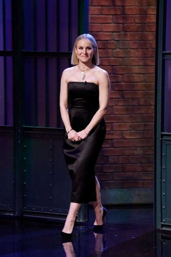 Kristen Bell - On 'Late Night with Seth Meyers' in New York City