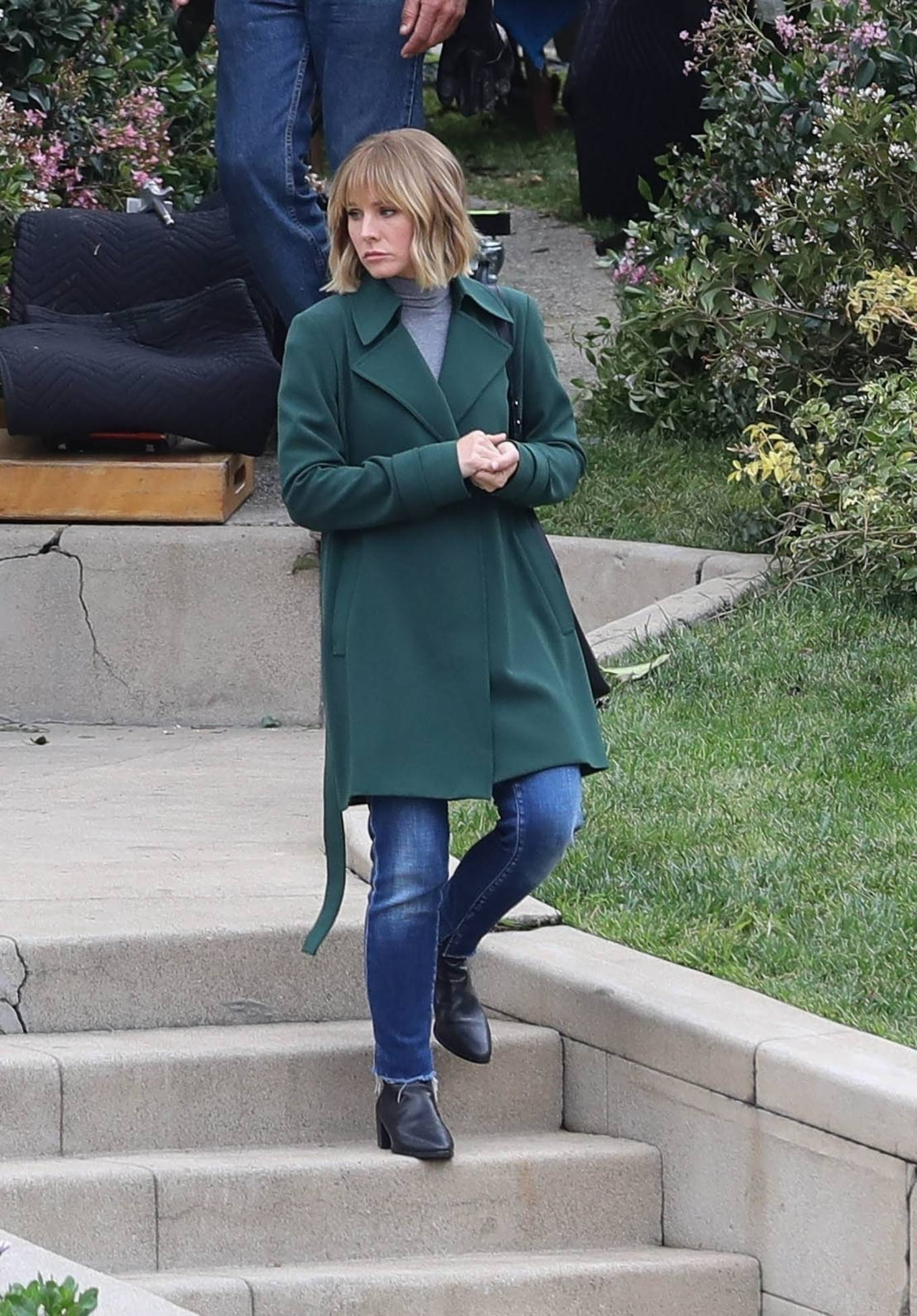 Kristen Bell 2021 : Kristen Bell – On The Woman in the House set in Los Angeles-01