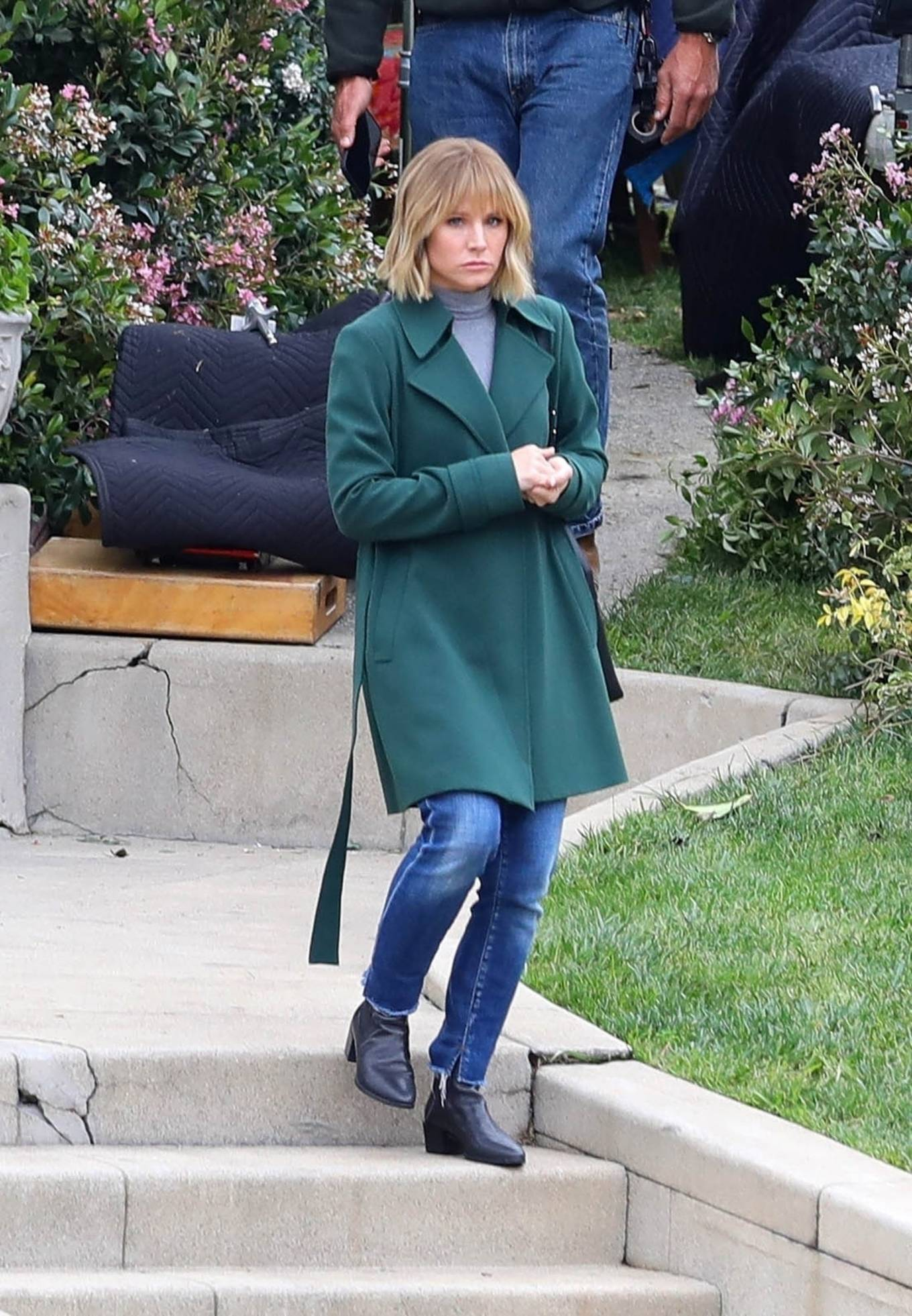Kristen Bell 2021 : Kristen Bell – On The Woman in the House set in Los Angeles-03