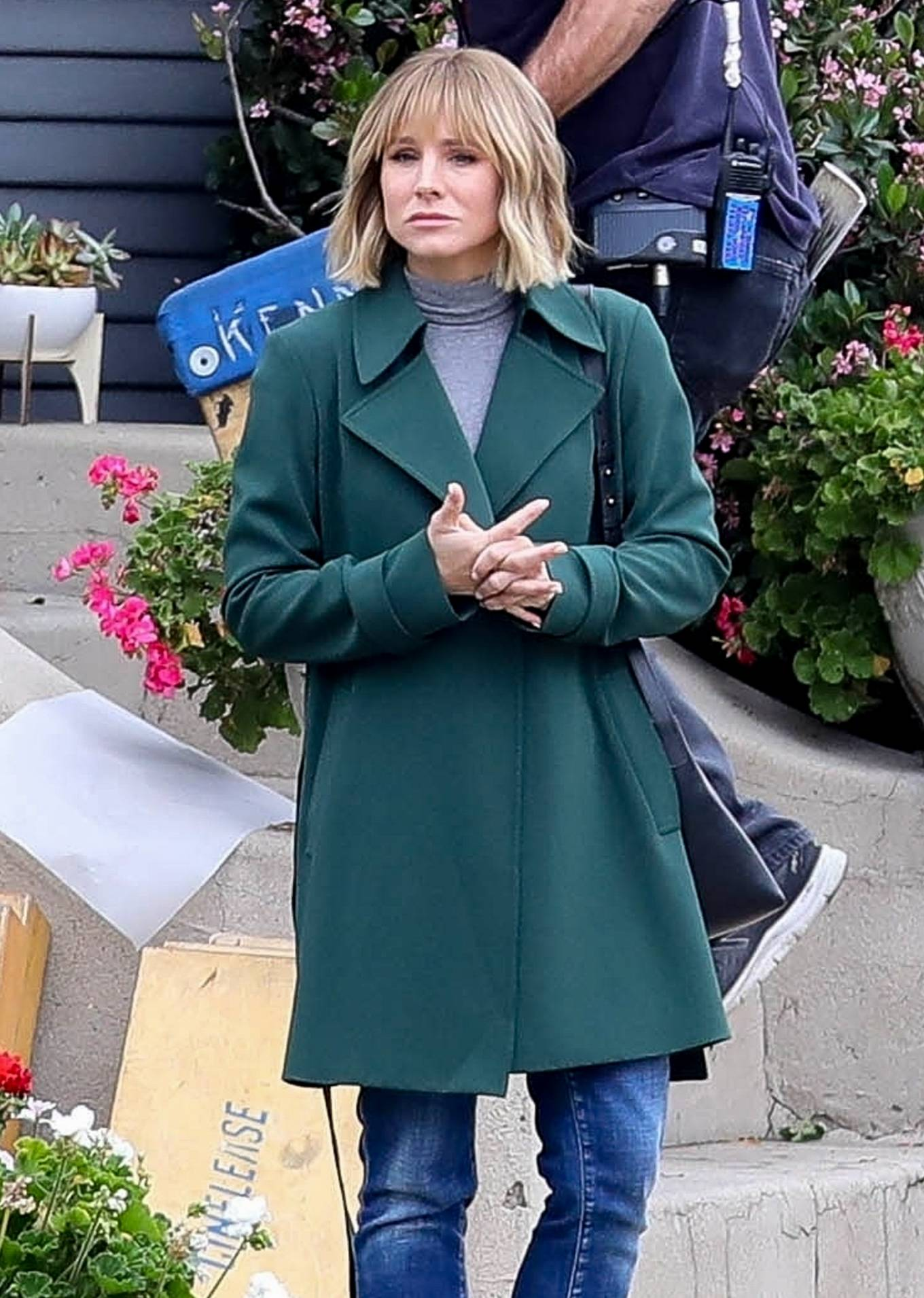 Kristen Bell 2021 : Kristen Bell – On The Woman in the House set in Los Angeles-07