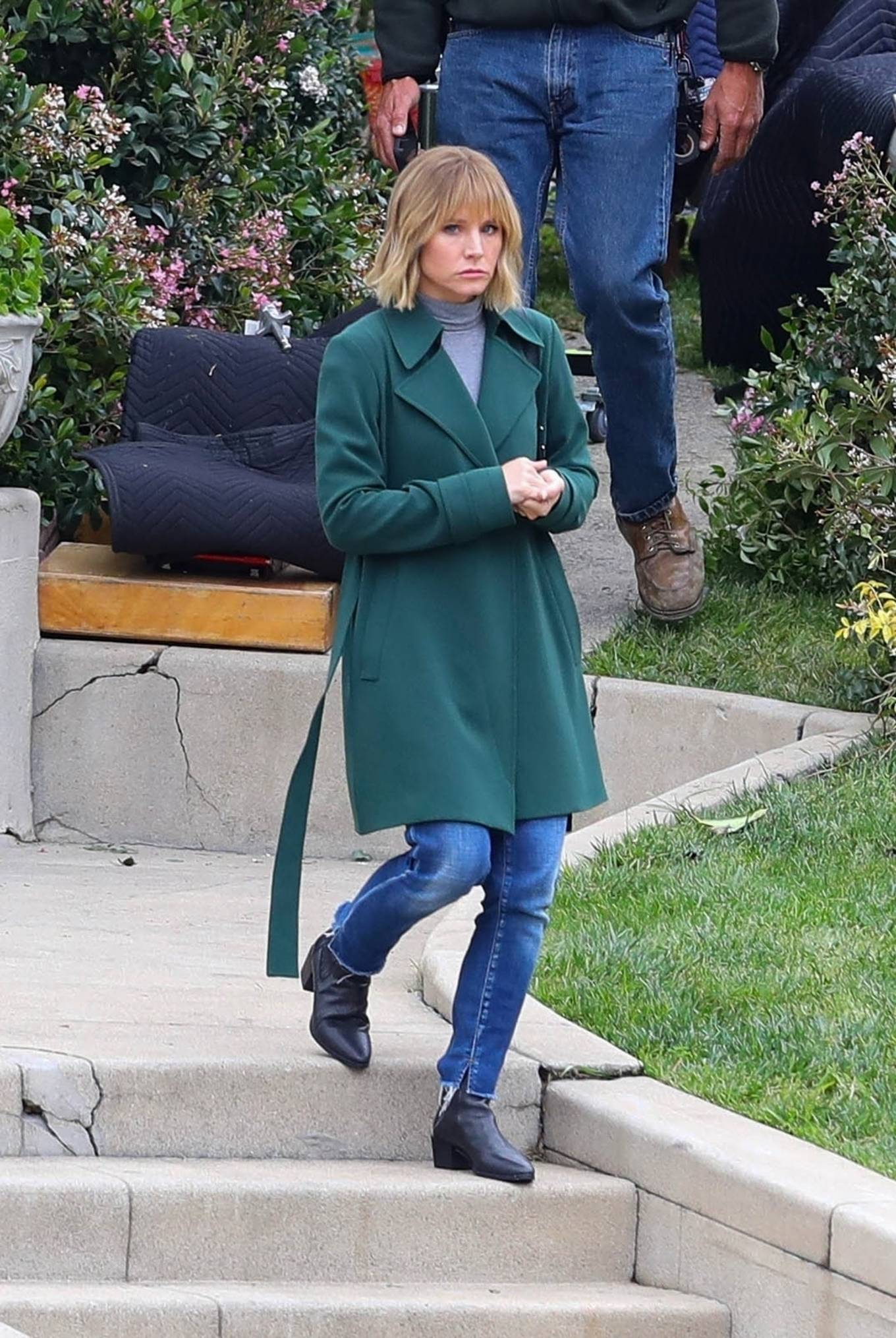 Kristen Bell 2021 : Kristen Bell – On The Woman in the House set in Los Angeles-09