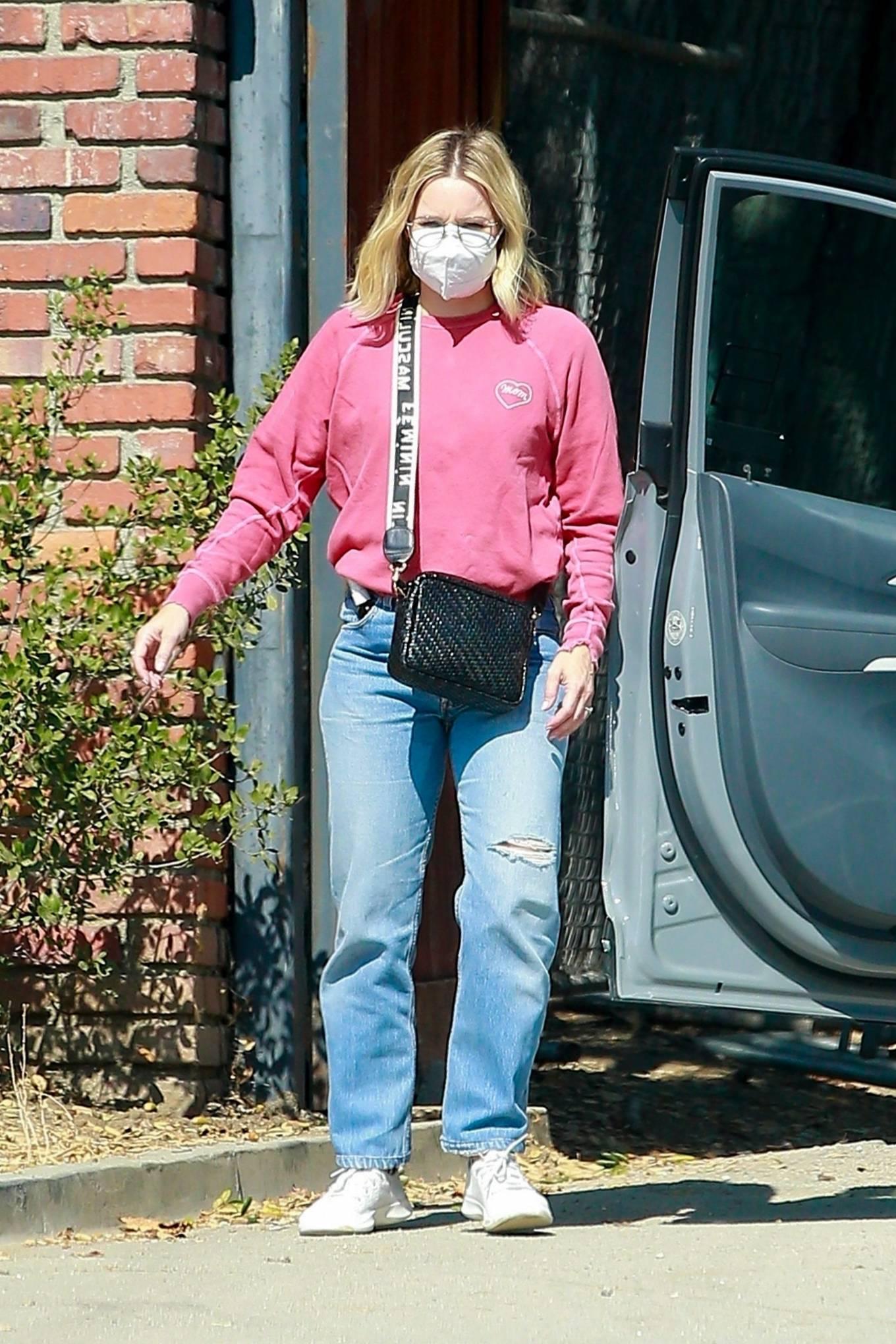 Kristen Bell 2020 : Kristen Bell – Out in Los Feliz-04