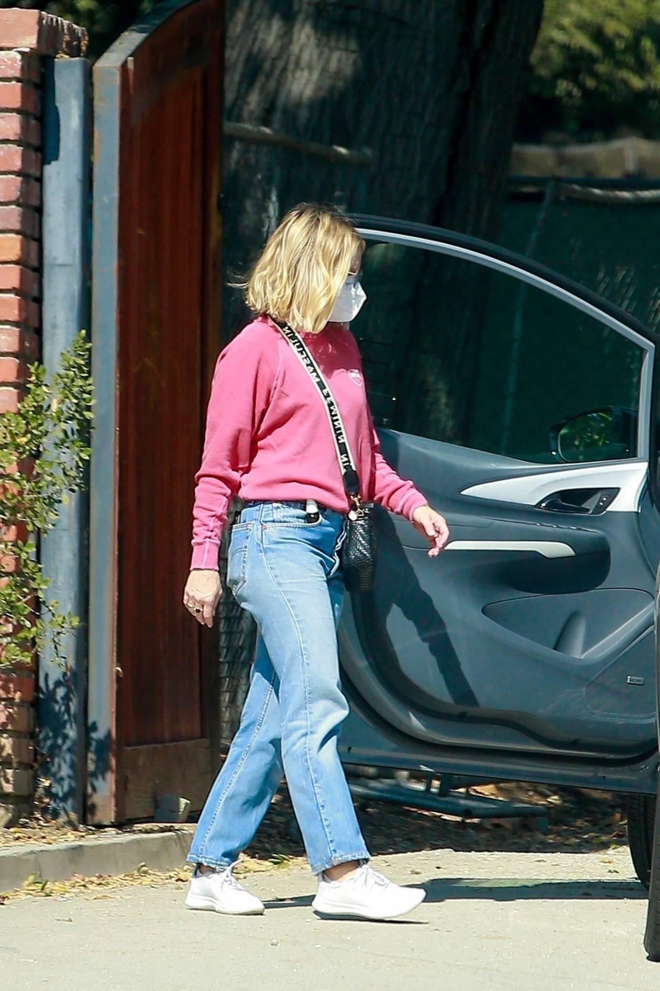 Kristen Bell 2020 : Kristen Bell – Out in Los Feliz-07