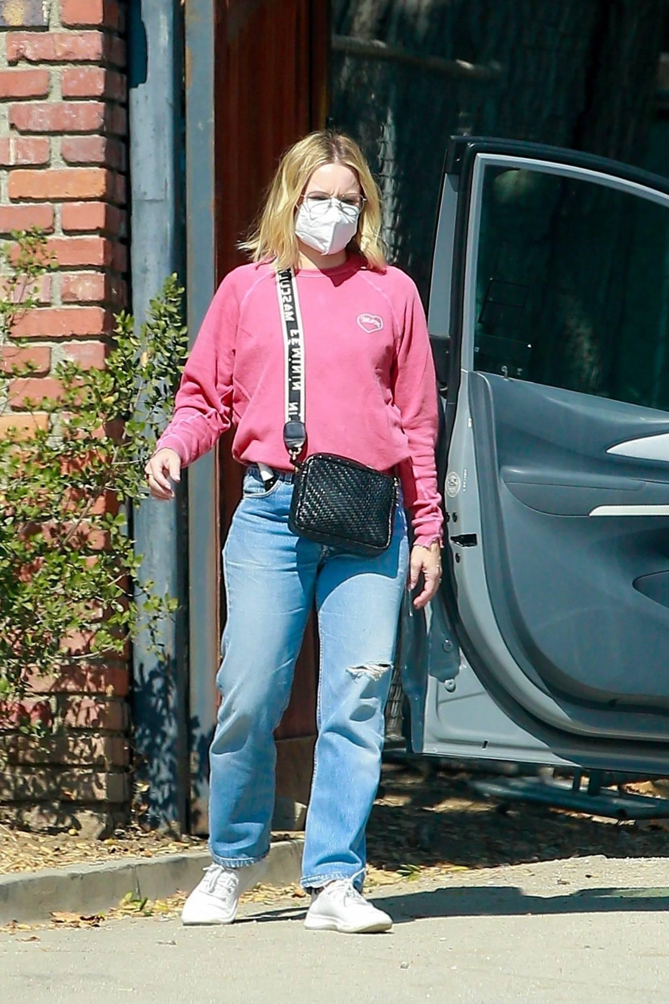 Kristen Bell 2020 : Kristen Bell – Out in Los Feliz-08