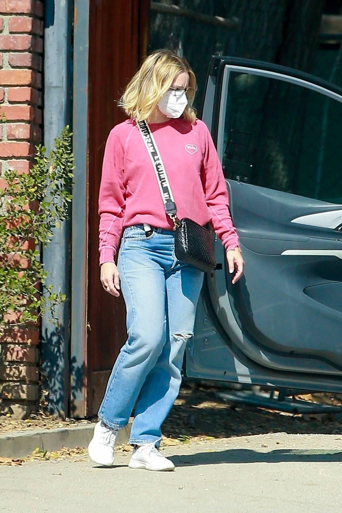 Kristen Bell 2020 : Kristen Bell – Out in Los Feliz-09