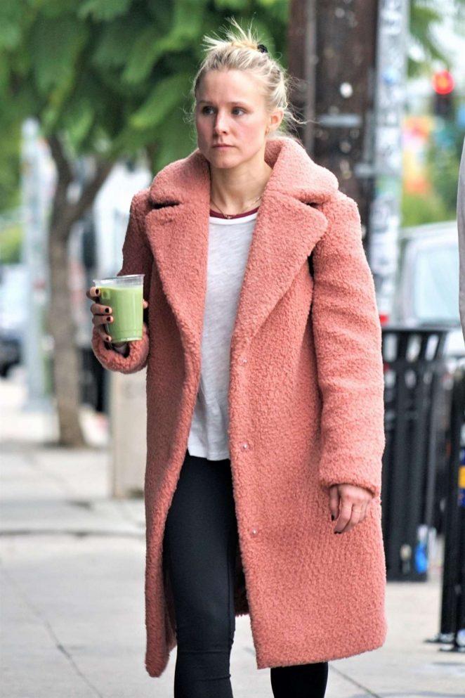 Kristen Bell - Out in Los Feliz