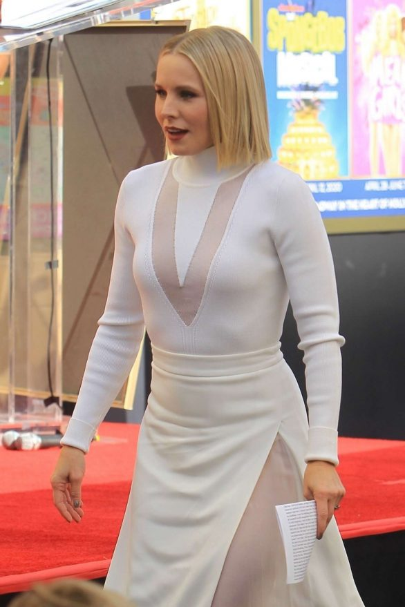 Kristen Bell - Reciving a star on the Hollywood Walk of Fame in Hollywood