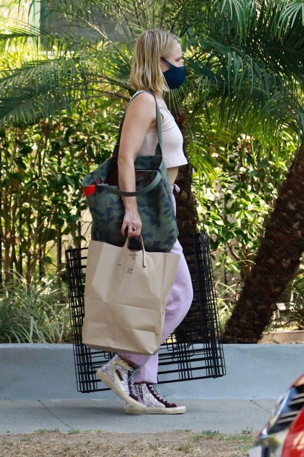 Kristen Bell - Seen as she visits a friend in a Los Feliz