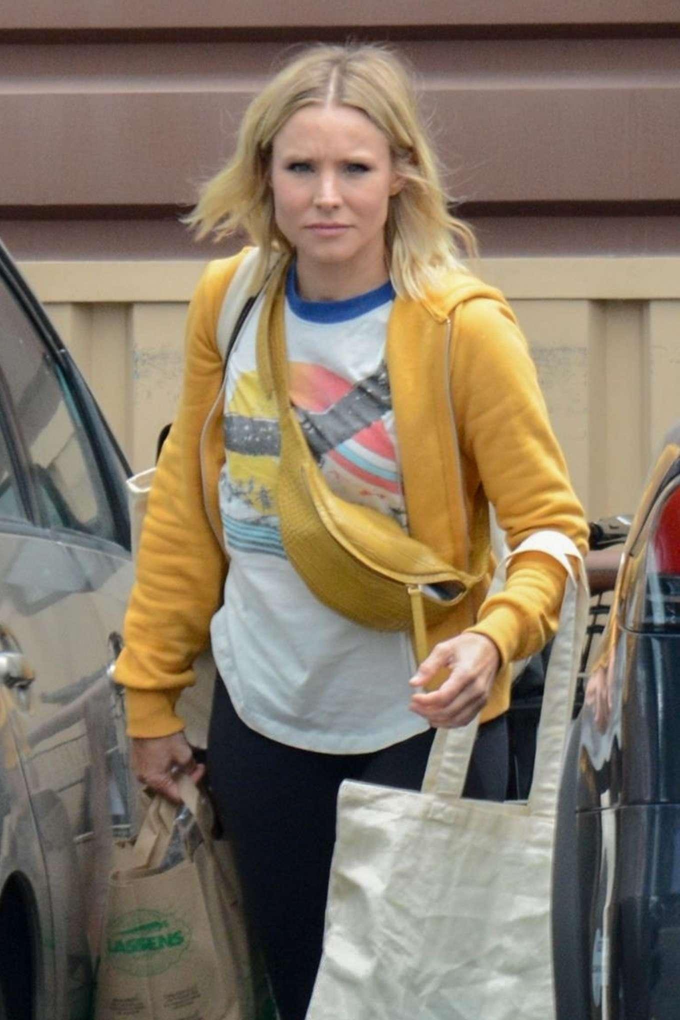 Kristen Bell - Shopping in Studio City