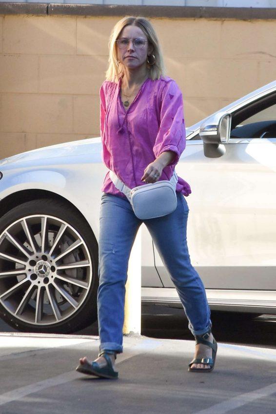 Kristen Bell - Steps out of a spa in Los Feliz