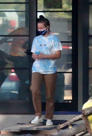 Kristen Bell - Wearing a Vote T-Shirt in Los Feliz