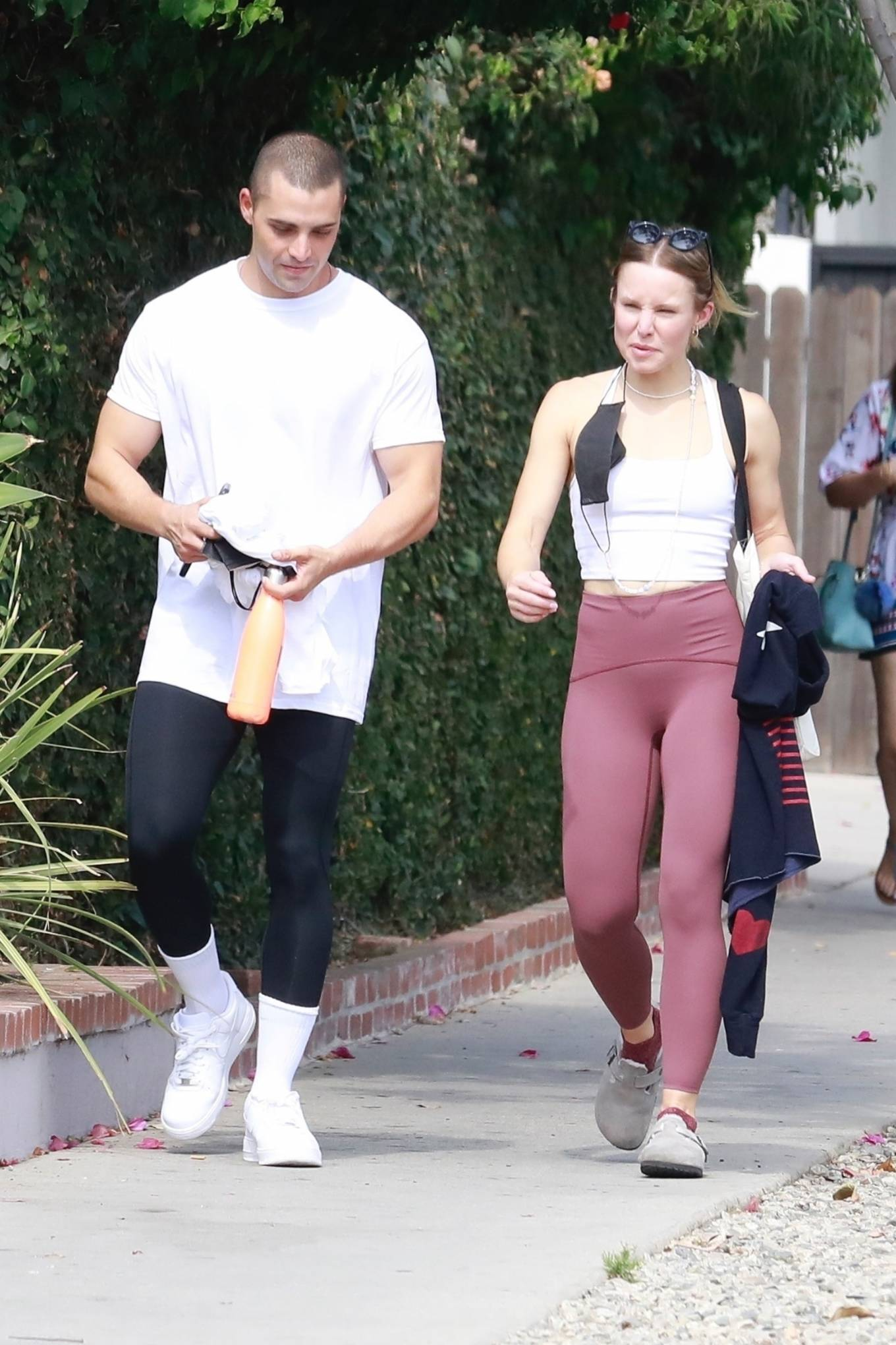 Kristen Bell - With Benjamin Levy Aguilar head to workout in Los Feliz