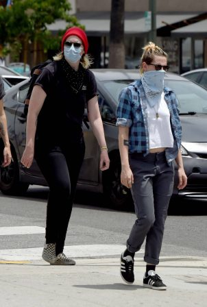 Kristen Stewart and Dylan Meyer Join the Protests in Hollywood