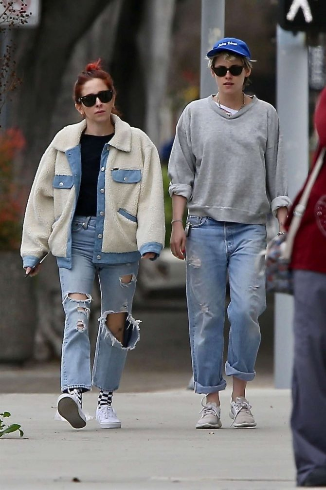 Kristen Stewart and girlfriend Sara Dinkin – Out in Los Angeles