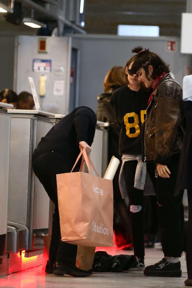 Kristen Stewart and girlfriend SoKo at Charles de Gaulle Airport -01