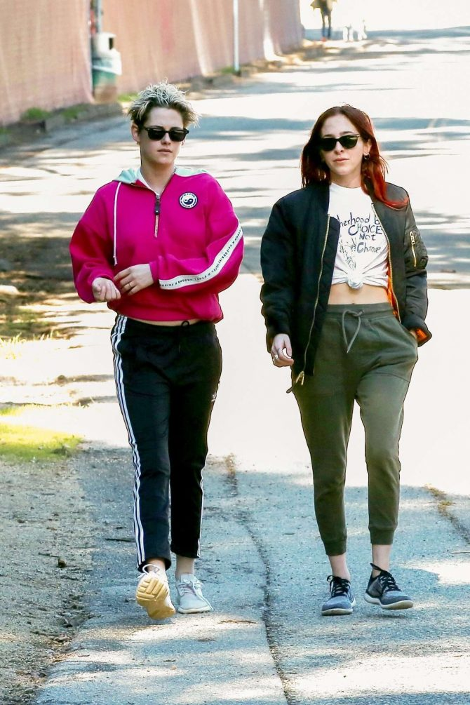 Kristen Stewart and Sara Dinkin: Out for a hike in Los Feliz -01