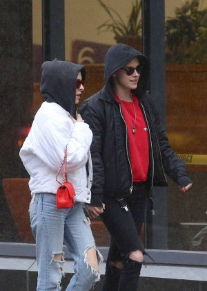 Kristen Stewart and Sara Dinkin - Out in the East Village