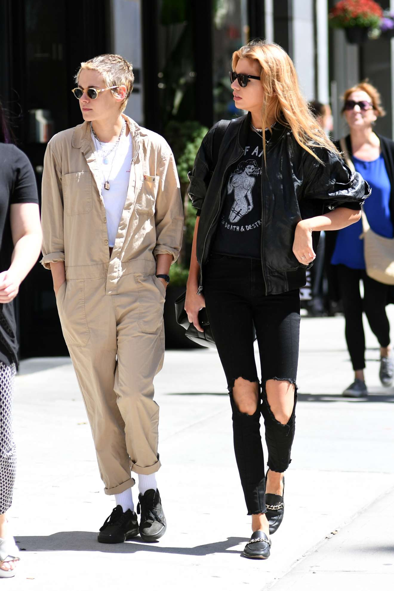 kristen stewart and stella maxwell out for lunch in new