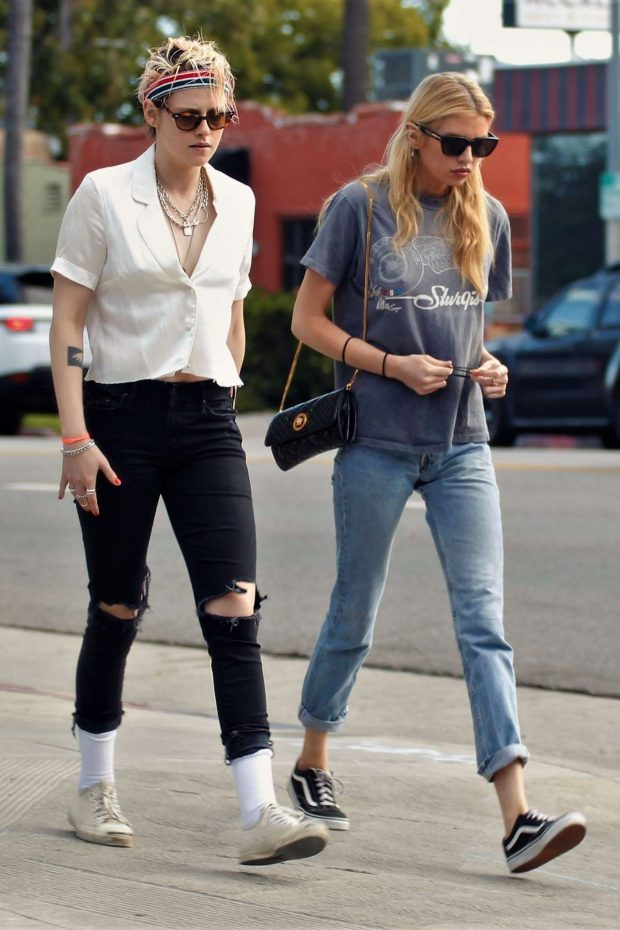 Kristen Stewart and Stella Maxwell - Out on a dinner date in Los Feliz