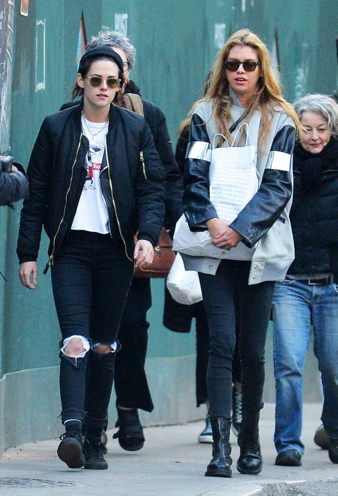 Kristen Stewart and Stella Maxwell Out Shopping in NYC