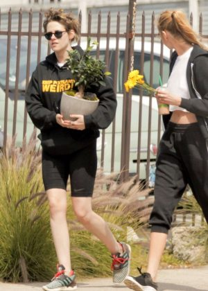 Kristen Stewart and Stella Maxwell - Picks up a Bonsai tree in Los Feliz