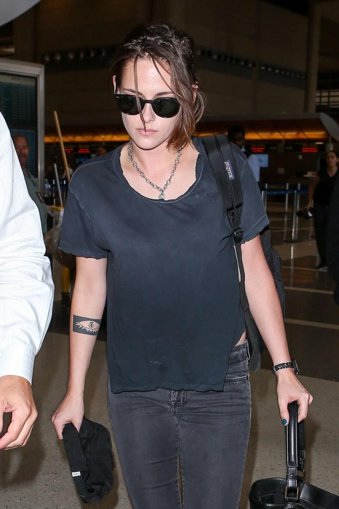 Kristen Stewart - Arrives at LAX airport in LA