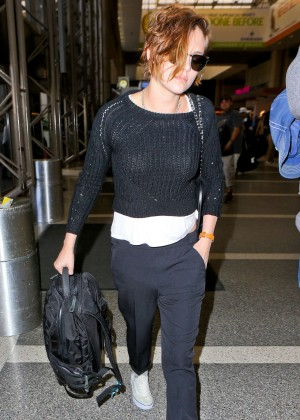 Kristen Stewart - Arrives at LAX Airport in Los Angeles