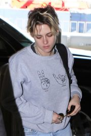 Kristen Stewart - Arrives at LAX International Airport in LA