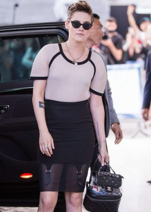 Kristen Stewart - Arrives at Martinez Hotel in Cannes