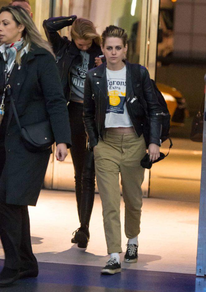 Kristen Stewart - Arriving at JFK Airport in NYC