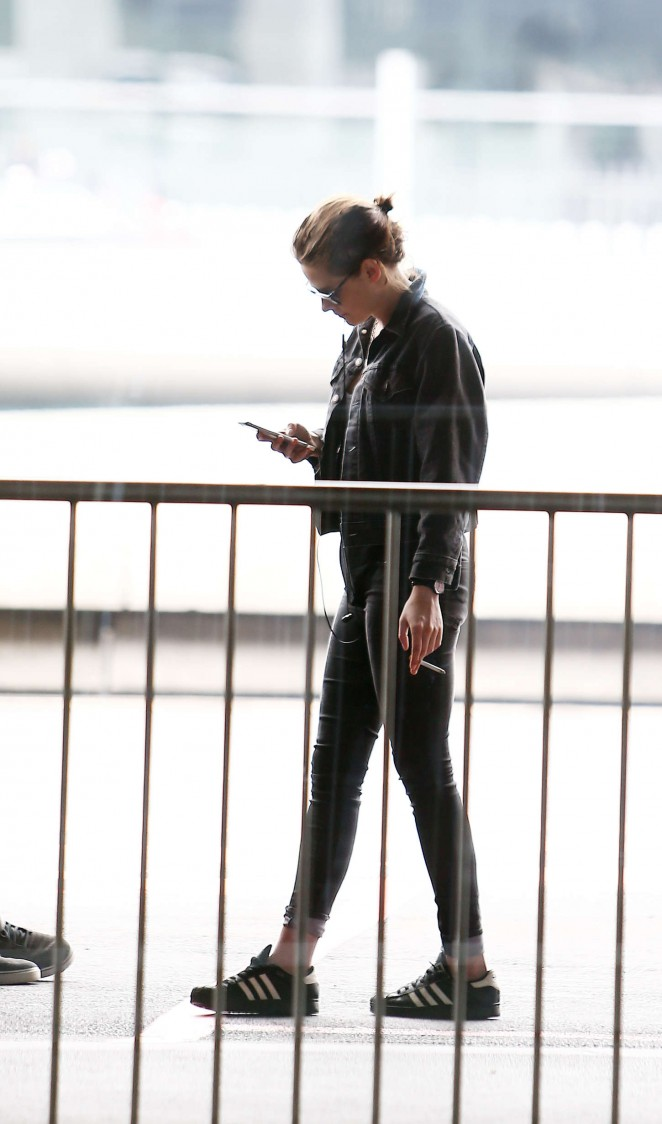 Kristen Stewart at the airport in Paris