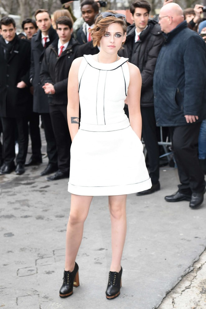 Kristen Stewart - Chanel Fashion Show 2015 in Paris