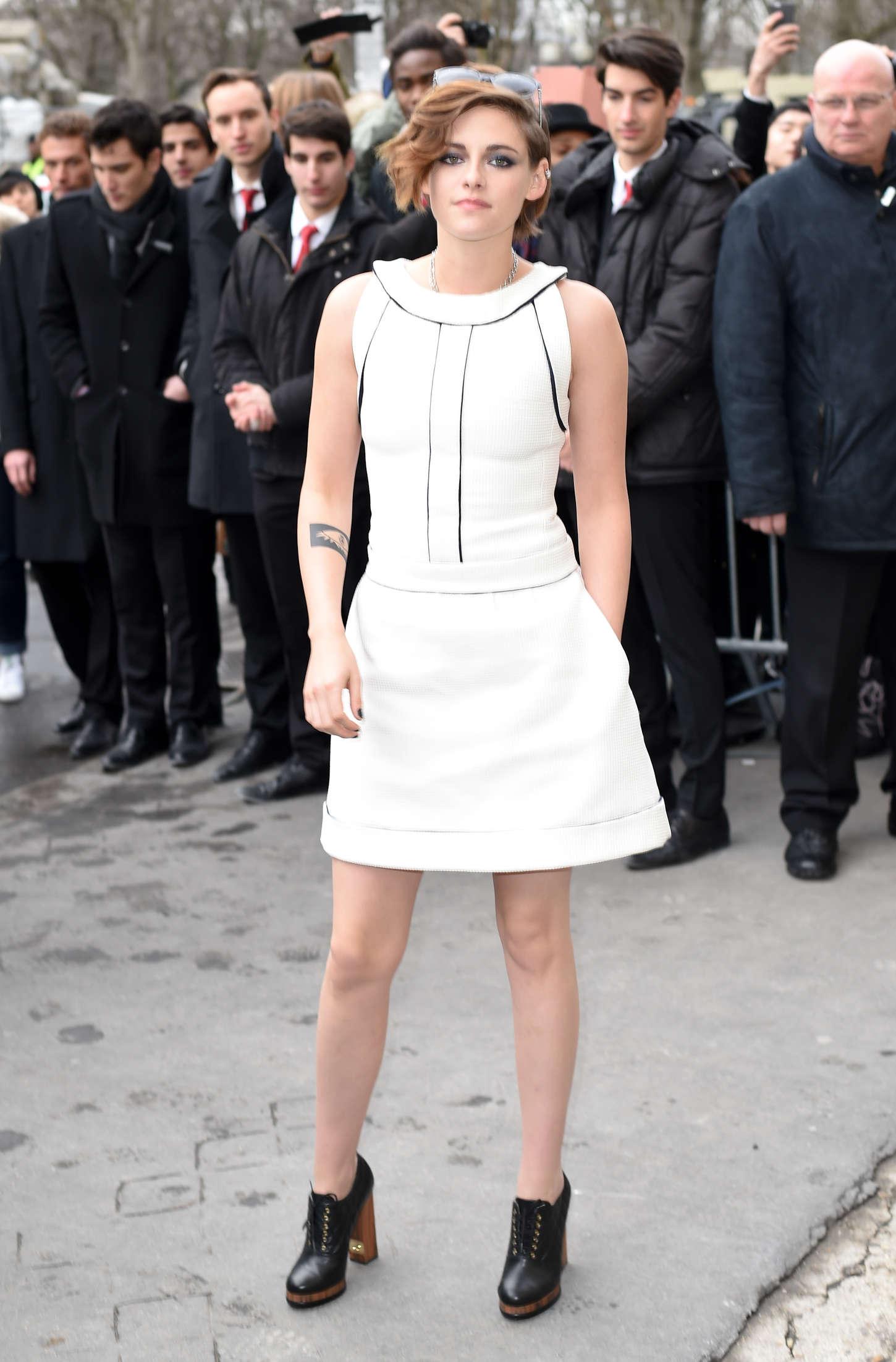 Kristen Stewart Chanel Fashion Show 2015 23 Gotceleb