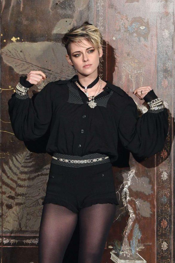 Kristen Stewart - Chanel Metiers D'Art Fashion Show in Paris