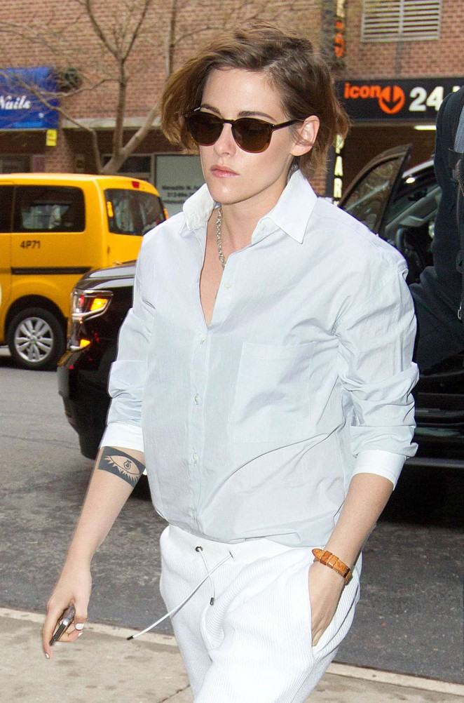 Kristen Stewart - Heads to her hotel in NYC