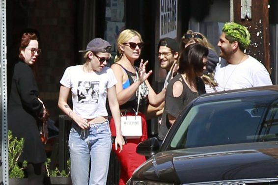 Kristen Stewart 2019 : Kristen Stewart in Jeans – Out in Los Angeles-05