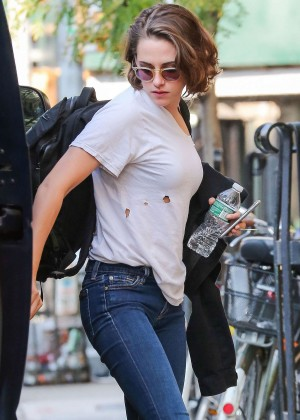 Kristen Stewart in Tight Jeans Out in New York