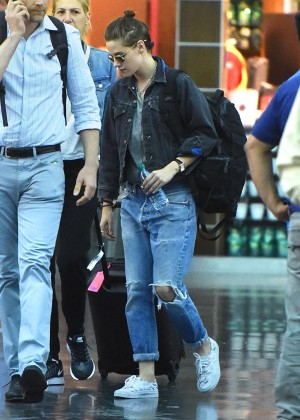 Kristen Stewart in Ripped Jeans at JFK Airport in NYC