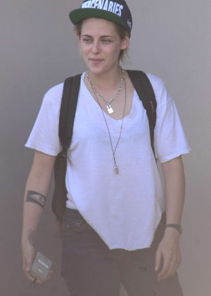 Kristen Stewart - Leaves Ridley Scotts Production Company in West Hollywood