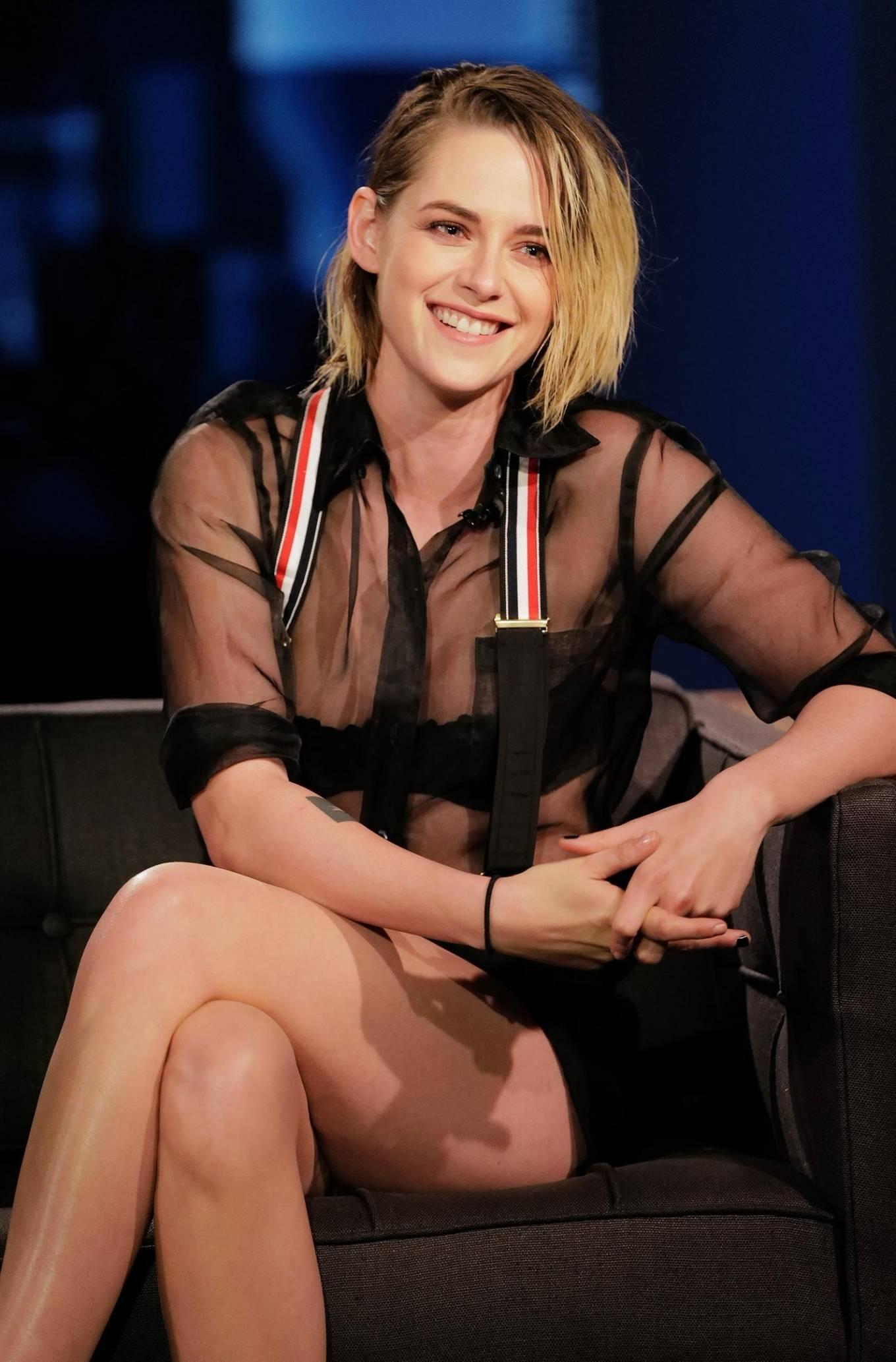 Kristen Stewart - Looks sweet on 'Jimmy Kimmel Live' in Hollywood