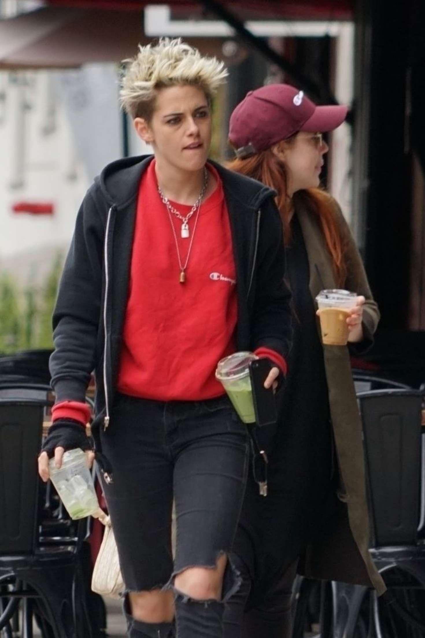 Kristen Stewart - Out for lunch in LA
