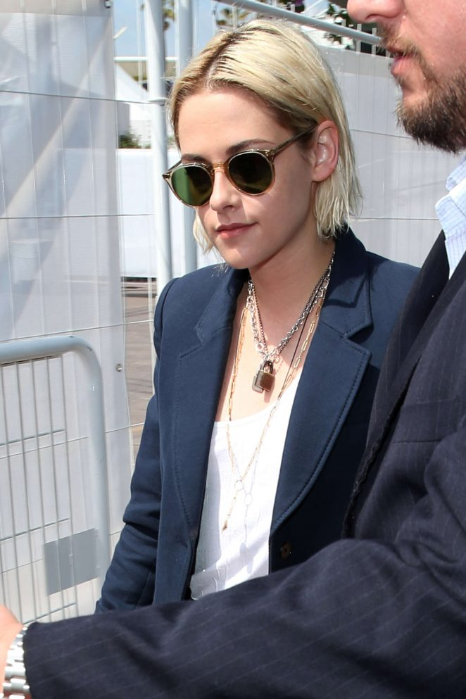Kristen Stewart – Out in Cannes